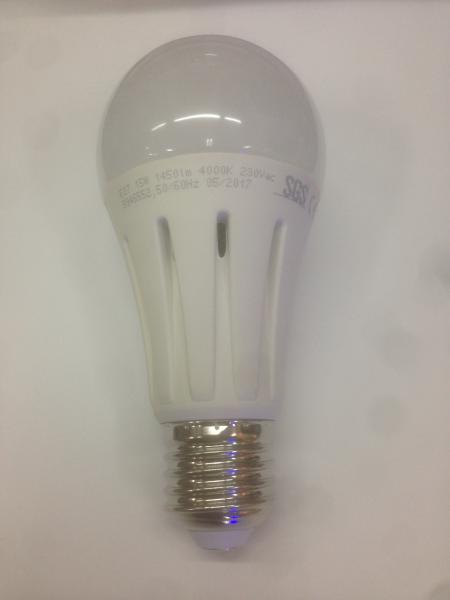 LAMPADA A LED 220VAC 6500K° E27